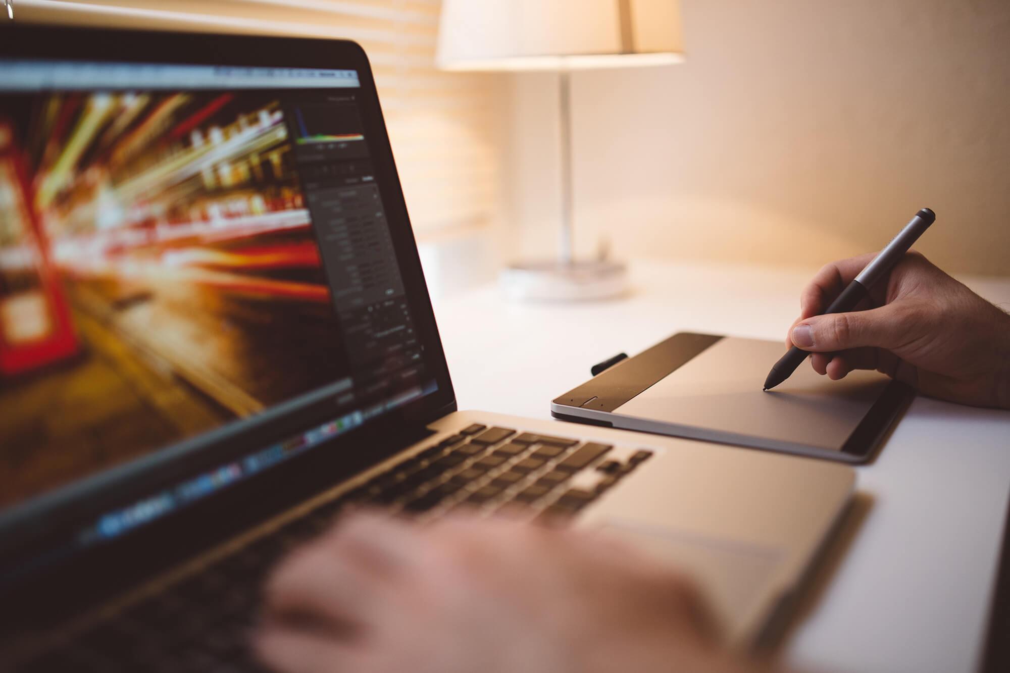 Evropská komise nakoupí vybavení – software i hardware – pro svoje oddělení grafického designu