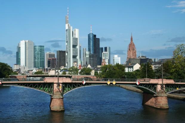 Standardizace dat, správa dat a analýza a šíření dat pro EU agenturu z Frankfurtu
