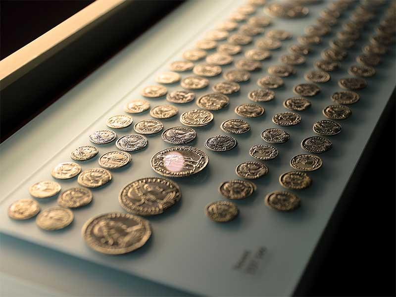Evropský parlament potřebuje vyrobit skoro tři tisíce medailí na rozdávání